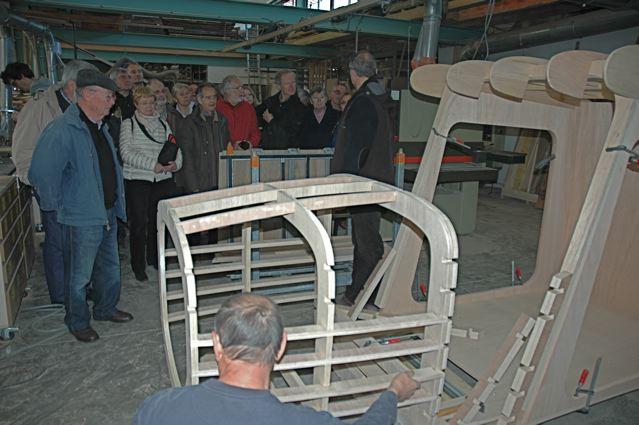 Fabrication d'un cockpit en bois par l'entreprise Menuisier et Compagnons
