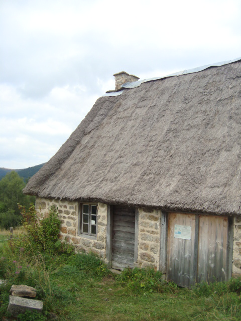 Jasserie des Chaumettes-appartenant au CEN ( Conservatoire d'espaces naturels d'Auvergne )