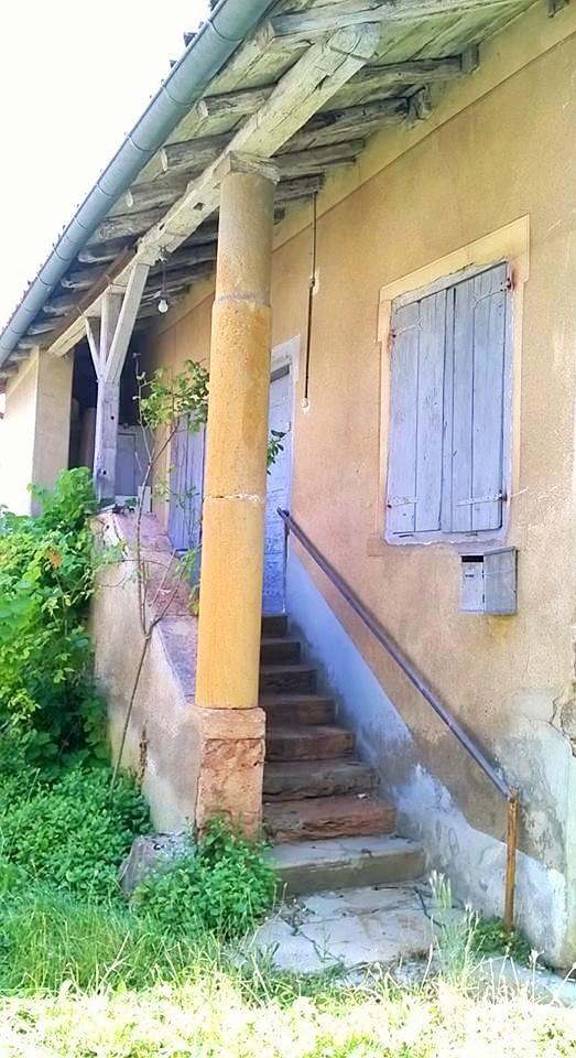 Maison de vigneron au Perréon, dans le Beaujolais (Rhône)